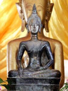 พระพุทธรูป 700ปี